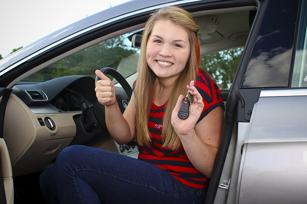 Best Tips to Save on Car Insurance for Teens and Student Drivers